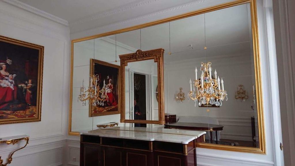 damiers de miroirs dans un appartement Haussmannien